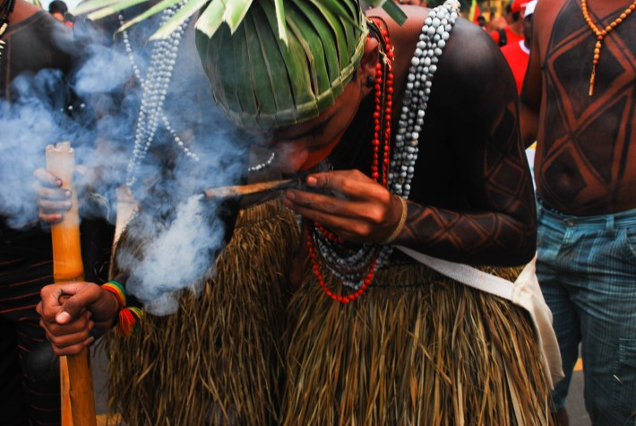 La fortaleza de los indígenas residen en el ámbito espiritual y un terreno de su lucha también. Fotografía: Santiago Navarro F.