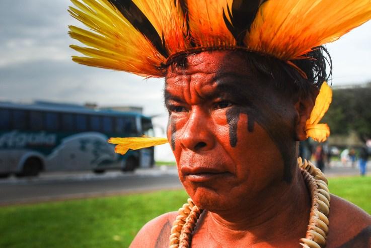 Indígenas del pueblo xingú presentes contra el proyecto de enmienda constitucional 215. Fotografía: Santiago Navarro F.