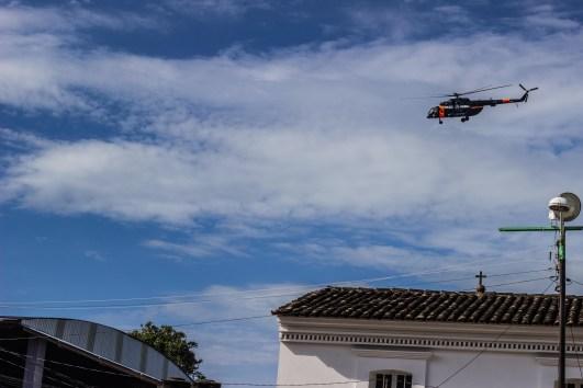 Helicóptero de la policía federal sobre vuela Tixtla. Fotografía: MALDEOJOfoto - Colectivo de Fotografía y Contrainformación