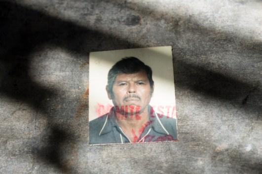 José Trinidad de la Cruz, comunero que impulsó la recuperación de tierras en 2009. Torturado y asesinado en 2011. Fotografía: Regina López
