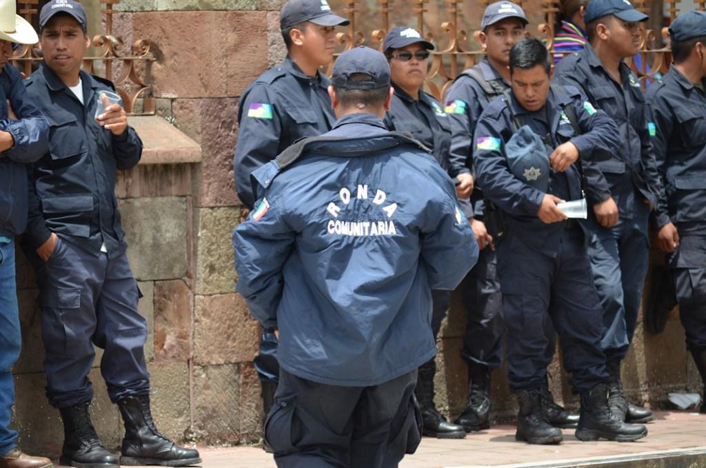 Ronda comunitaria. Toma de protesta del segundo Consejo Mayor en Cherán K'eri. Michoacán. 1 de Septiembre del 2015. Fotografía: José Luis Santillán