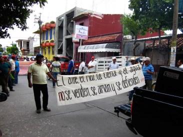 Manifestación en contra de los proyectos eólicos en Juchitán, septiembre 2013. Fotografía: Valentina Valle