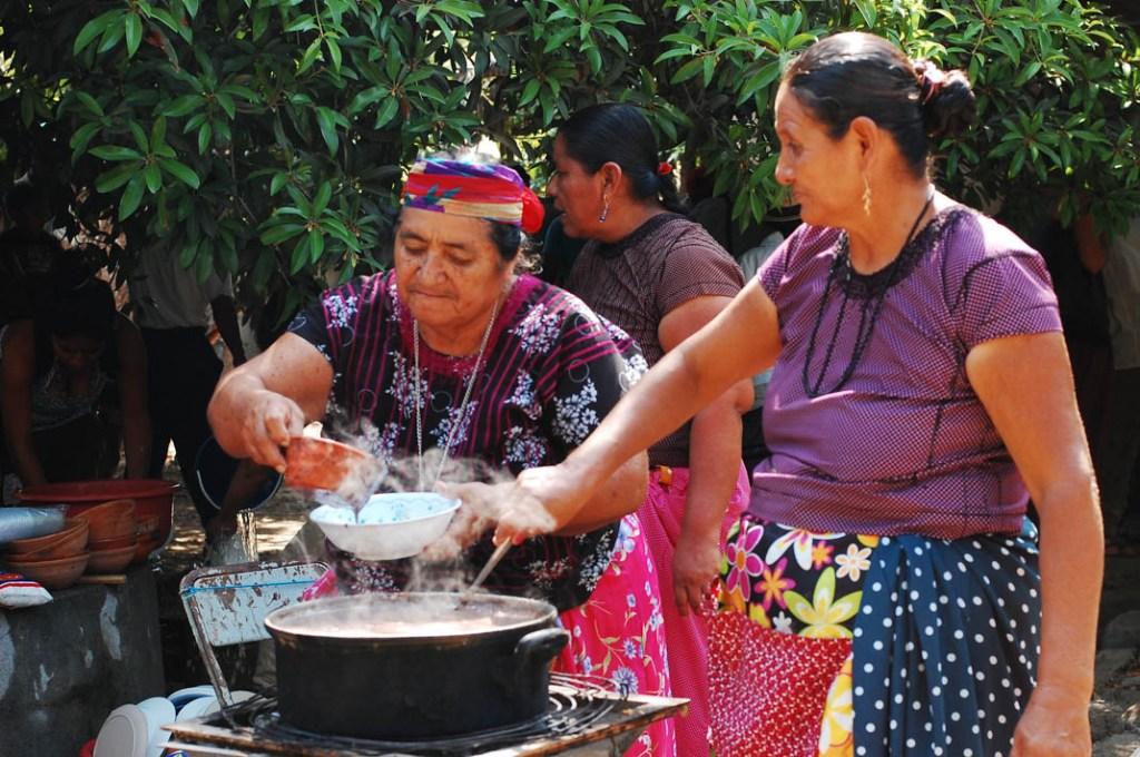 Mujeres binni'za, abril 2014. Fotografía: La Pirata
