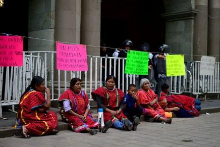 En huelga de hambre, desplazad@s de San Juan Copala