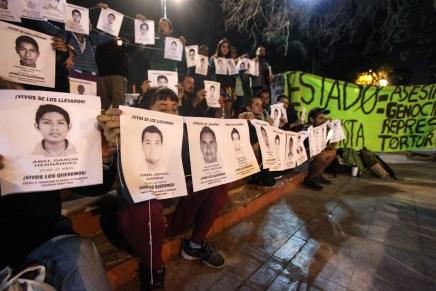 A un año y seis meses, en Chile no se olvida Ayotzinapa