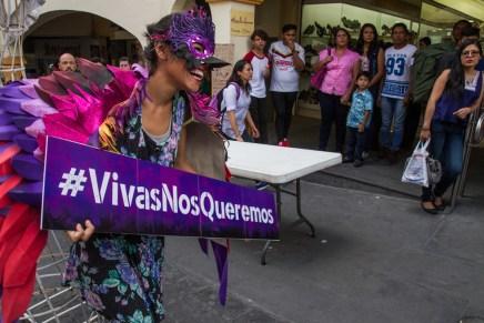 Mareas de color violeta (2 de 3). #24A en Cuernavaca