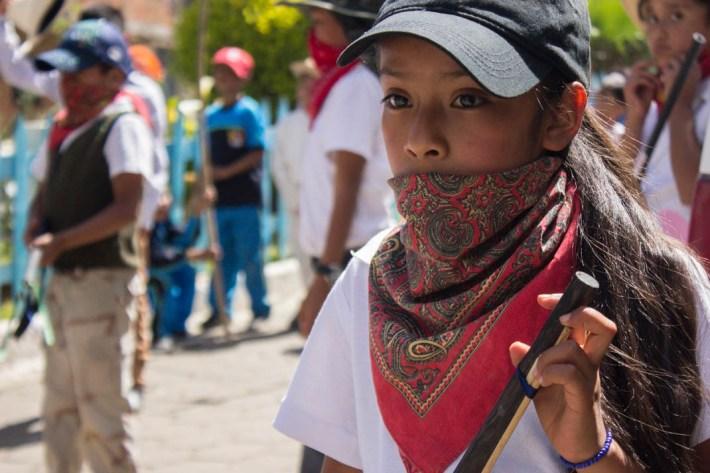 Para la comunidad, es importante transmitir el sentido de «defensa del territorio» desde la infancia. Quinto aniversario del levantamiento en Cherán. Por Xilonen Pérez.