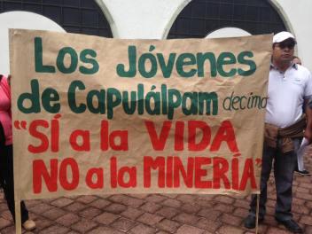 Marcha de los pueblos de la Sierra Juarez, 22 de junio del 2016. Foto: Estereo Comunal Yeelatoo