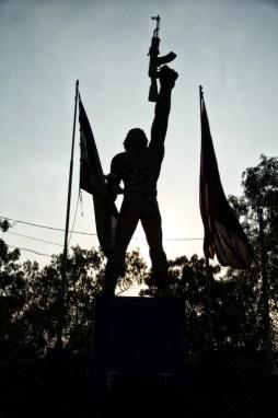 """""""Solo los obreros y campesinos irán hasta el fin"""". Fotografía: SubVersiones"""
