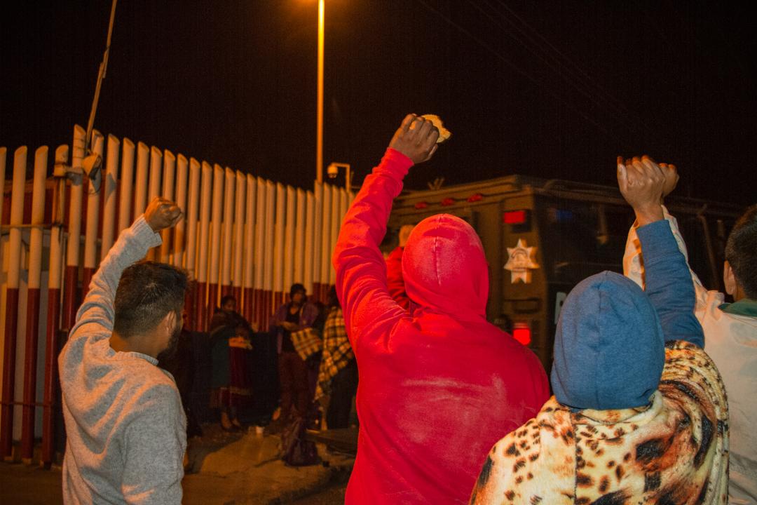Traslado de Neftali Montaño Crisostomo comunero de Arantepacua que continuara privado de su libertad por lo menos dos meses más, mientras continúa el proceso jurídico. Foto Criastian Leyva