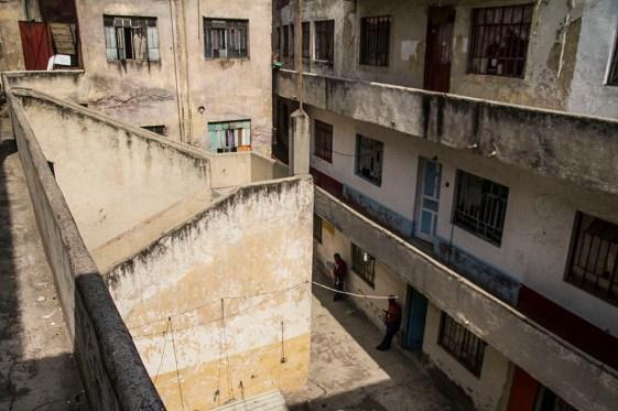 Edificio en la calle Leonardo Da Vinci #129 desalojado porJuan Carlos Díaz Alamilla, Perez Alvarez, Raymundo Ortíz Hernández, fiscales encargados de lanzar a la calle a 33 familias que habitaban el lugar.