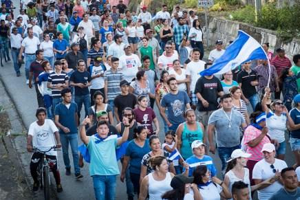 Jóvenes autoconvocados toman las calles en Nicaragua ¡Esto ya no es sólo el INSS!
