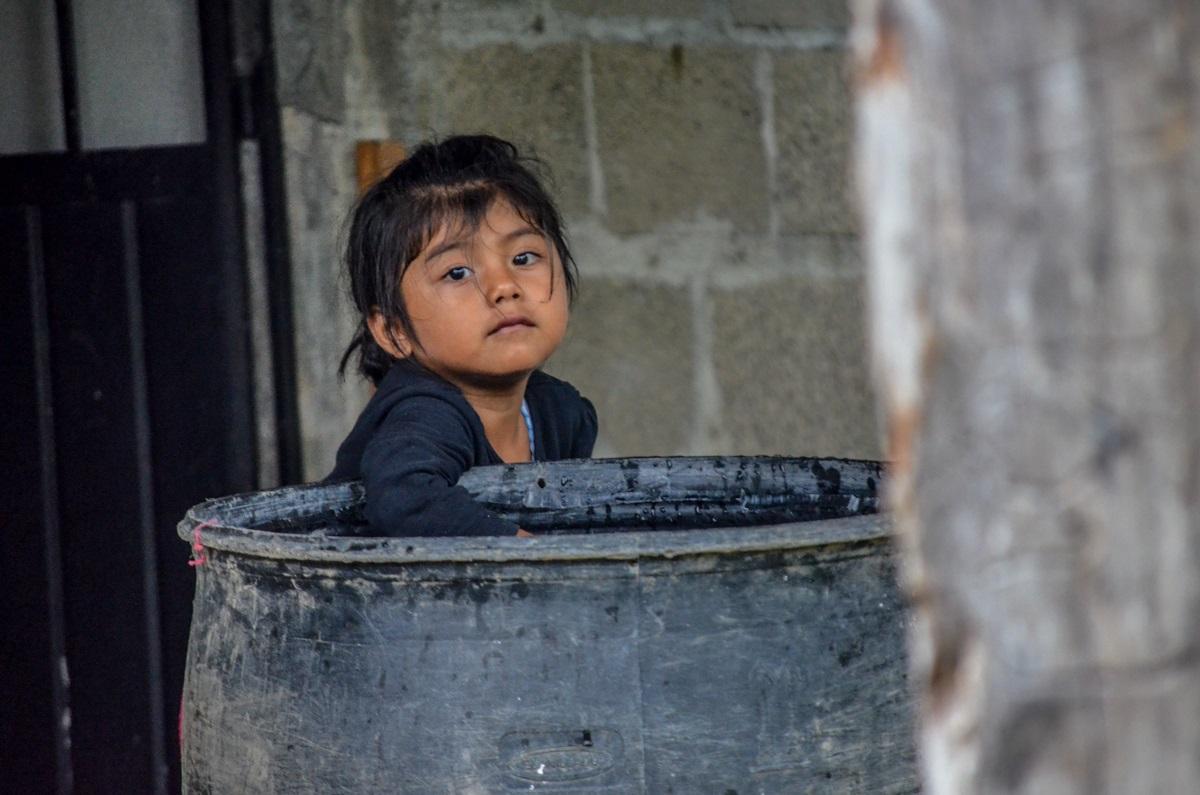 Niña indígena de la región Chinateca, municipio de Santiago Jocotepec. Fotografía: José Luis Santillán