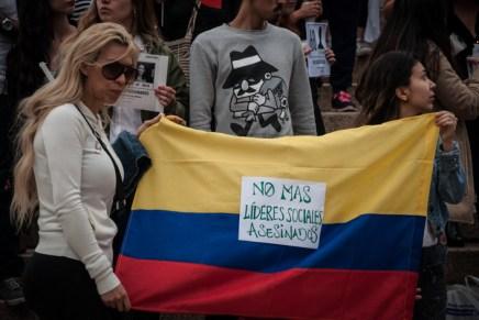 Velatón por los asesinatos de líderes sociales en Colombia