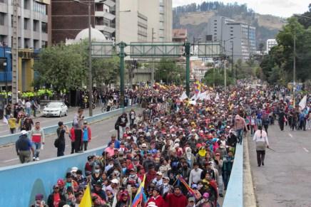 «Si globalizan la miseria, globalizamos la resistencia»