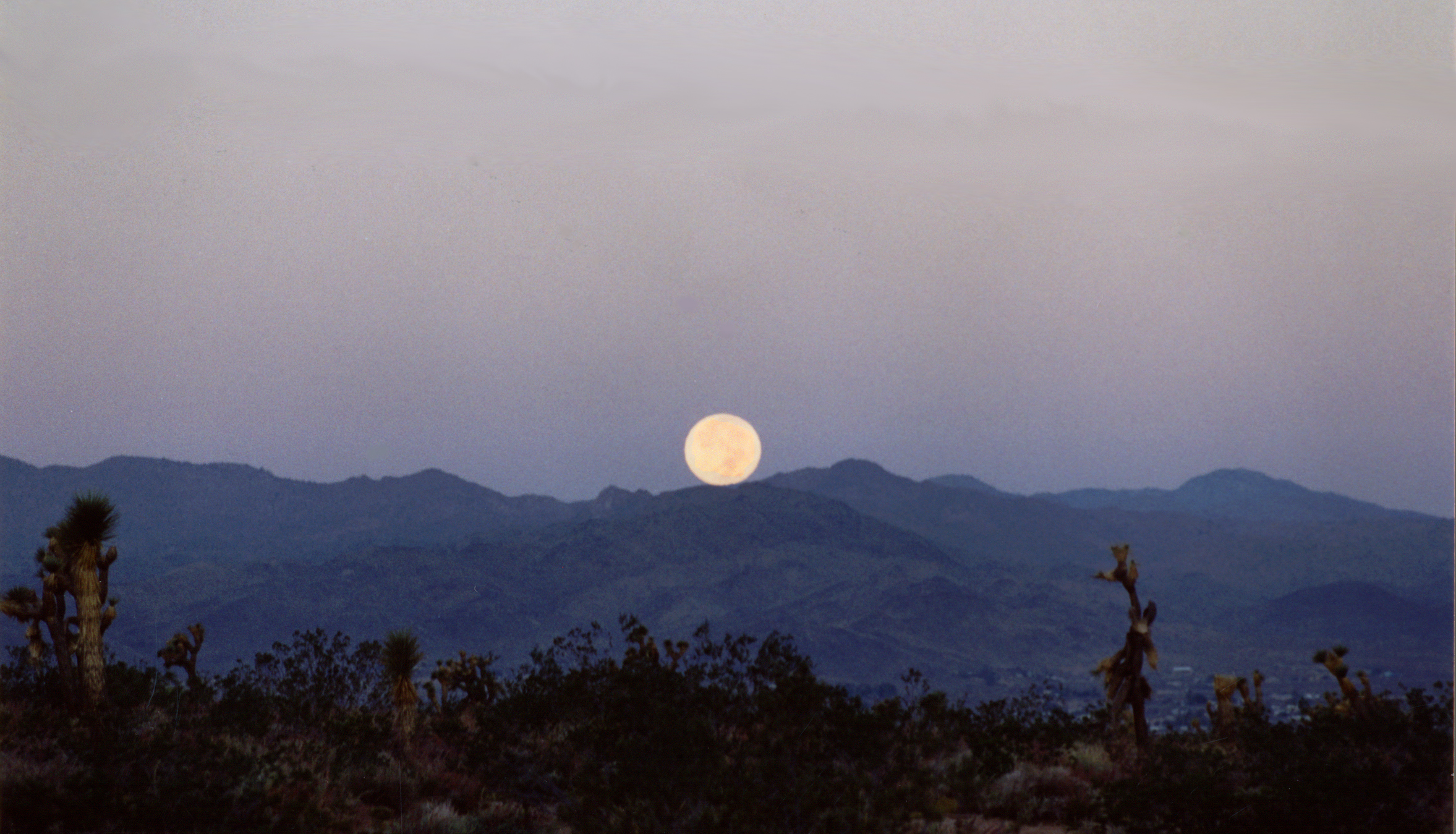 Mountain_Moonset