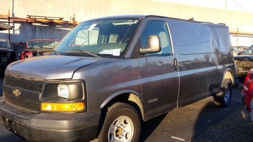 small resolution of parting out 2006 chevy g3500 express van 4 8l v8 4l80e auto