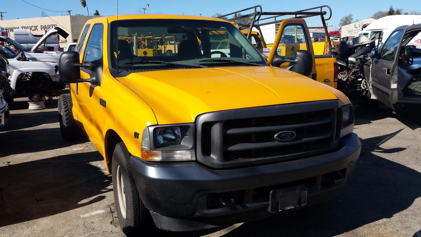 hight resolution of parting out 2002 ford f250 2wd 5 4l v8 4r100 automatic