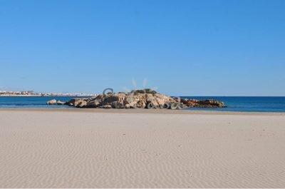 Zenia-Beach-2-400×265