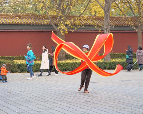 Ken MacAdams china photo