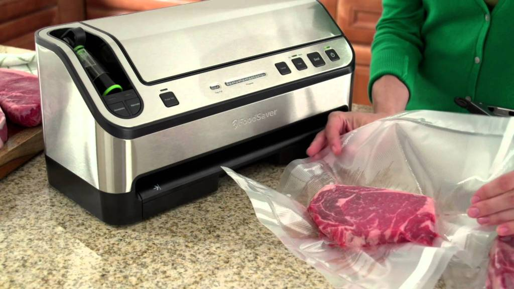 Foodsaver V4880 Fully Automatic Vacuum Sealing System Bonus