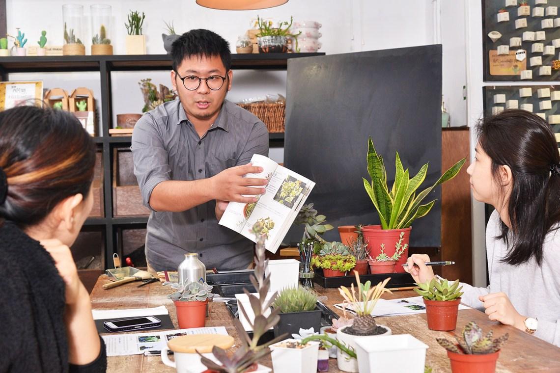 多肉植物養護課程在有肉開課了,請到榞點的設計師帶領大家了解多肉植物照顧及繁殖等等的介紹
