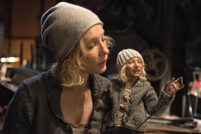 Cate Blanchett como personagem ventríloca em Manifesto