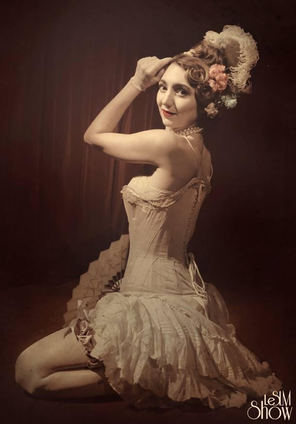 Sucre dOrge French burlesque dancer