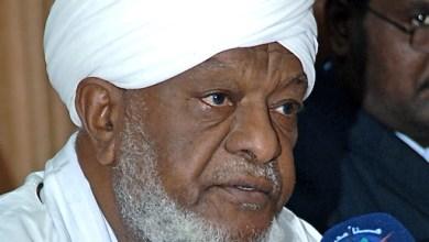 """Photo of """"علماء السودان"""" تدعم ترشيح البشير"""