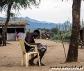 Skup złota we wsi Ngauru.