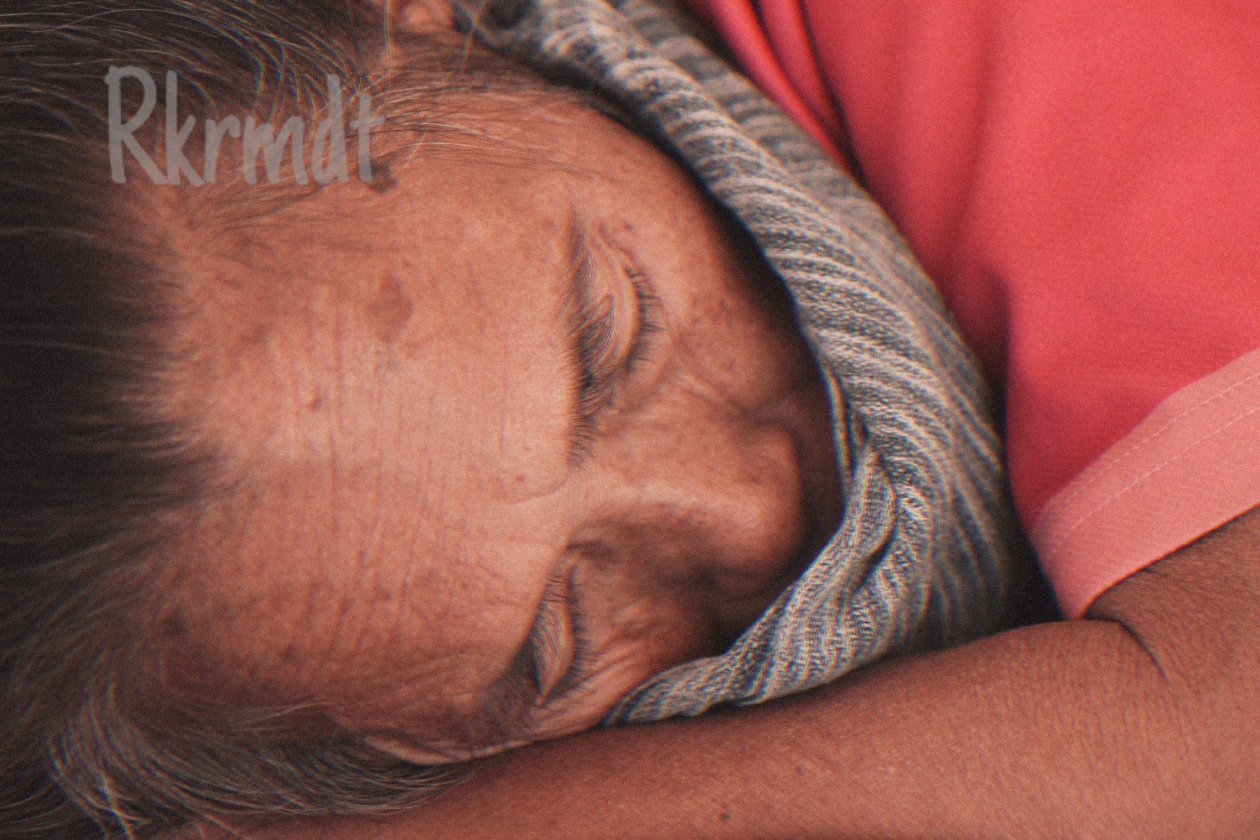Buruh Gendong Wanita di Pasar Beringharjo