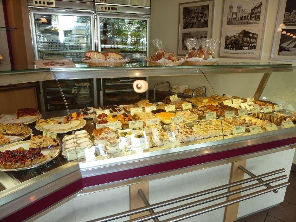 Konditorei Rabien  Konditoreien  Cafes in Steglitz
