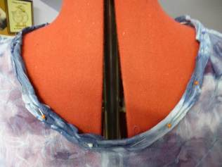neckline finish