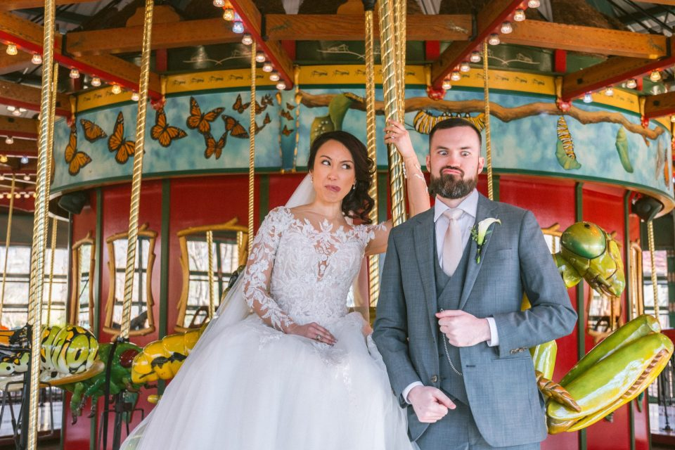 bug-carousel-bronx-zoo-wedding-photos-suessmoments