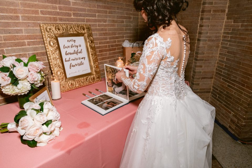 bride-wedding-album-guest-book-suessmoments