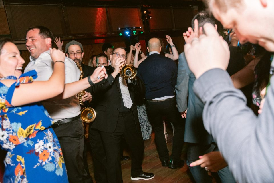 epic-soul-band-bronx-zoo-wedding-suessmoments