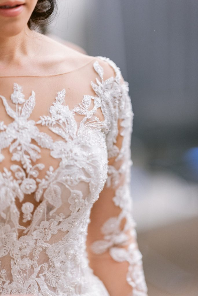 details-of-pronovias-wedding-gown-suessmoments-wedding-photographer