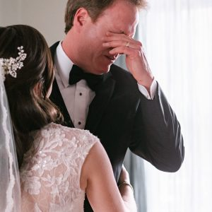 crying-father-of-bride-suessmoments