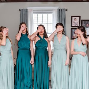 bridal-party-first-look-suessmoments