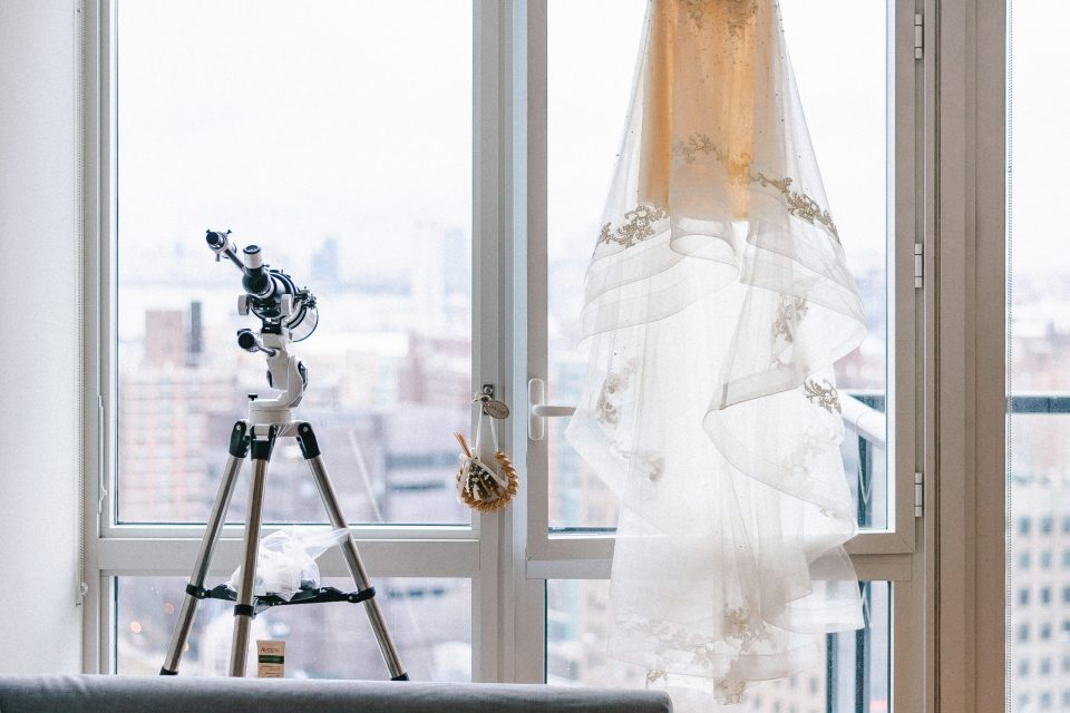 telescope-and-dress-in-brooklyn-apartment-wedding-day-suessmoments