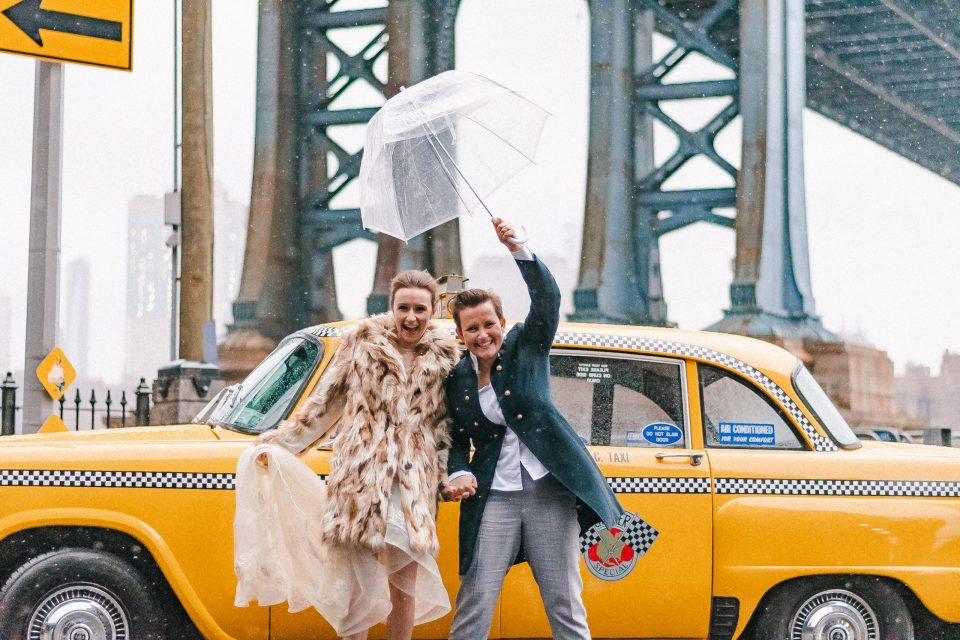 vintage-classic-checker-cab-suessmoments-rain-same-sex-couple-suessmoments