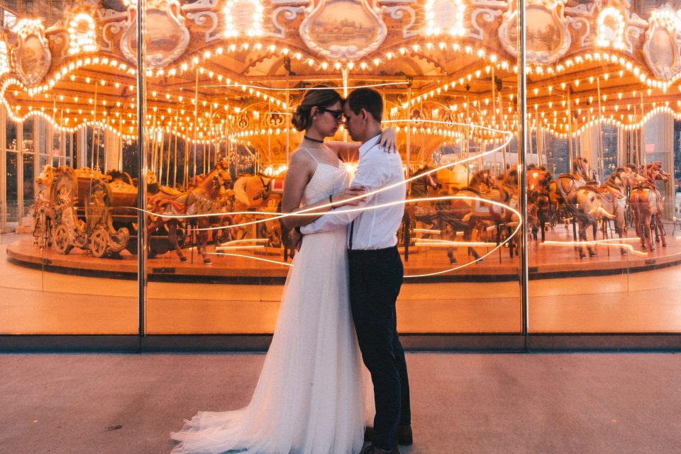 janes-carousel-long-exposure-photo-wedding-photography-suessmoments