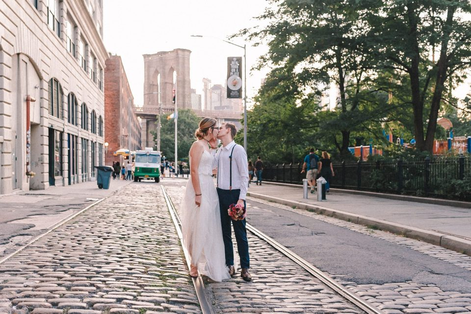 dumbo-brooklyn-elopement-wedding-photos-by-new-york-photographer-suessmoments