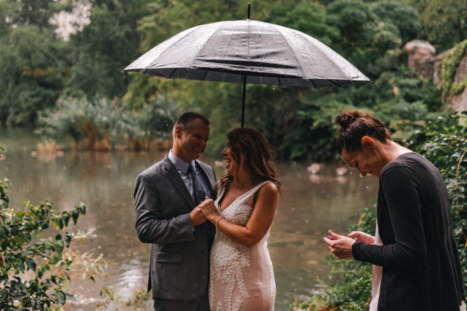 rain-on-wedding-day-central-park-suessmoments