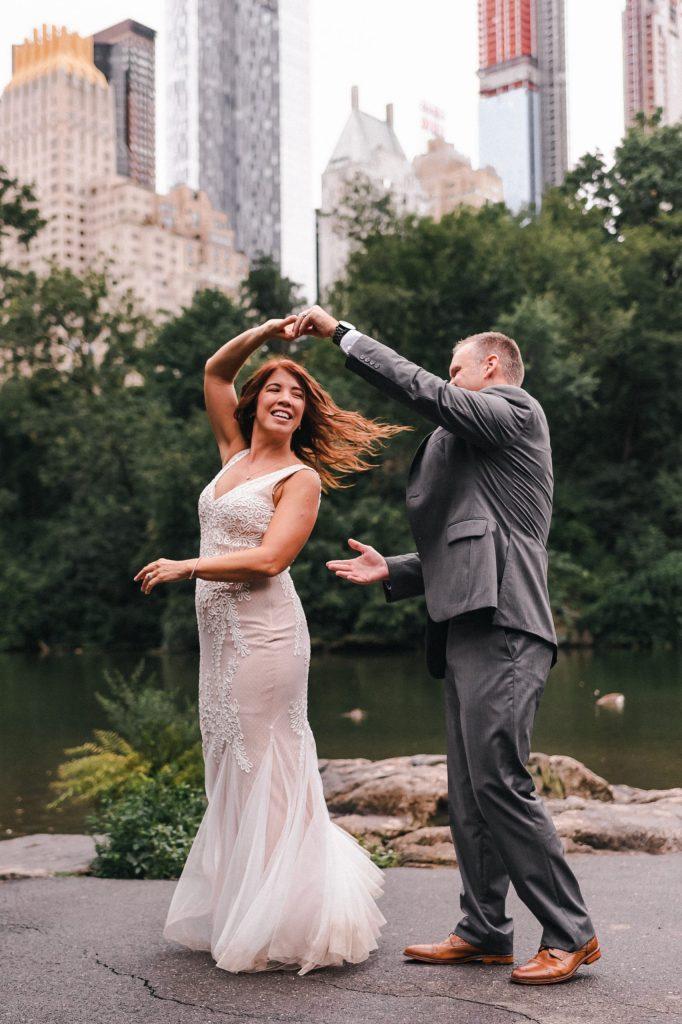 dancing-in-the-rain-suessmoments-wedding-photos-nyc-photography