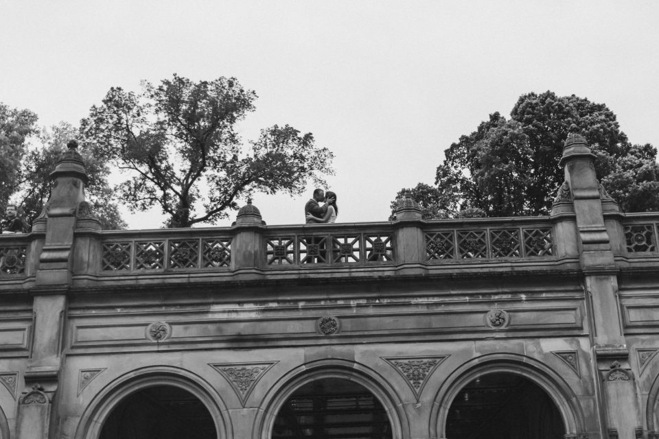 bethesda-terrace-black-and-white-photos-suessmoments-elopement
