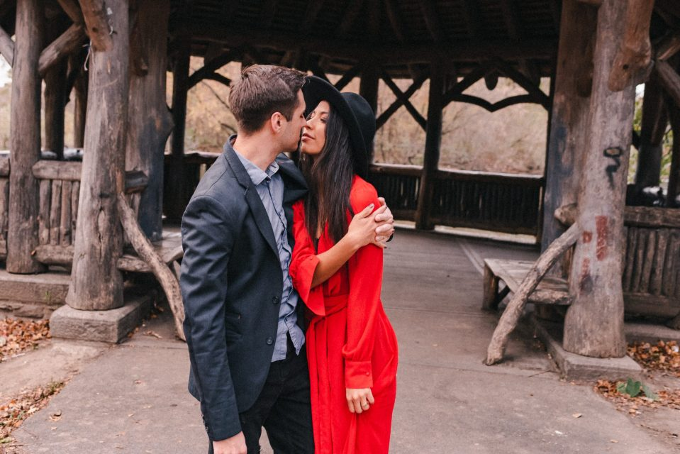 red-dres--and-har-for-engagement-photos-suessmoments-prospect-park-brooklyn