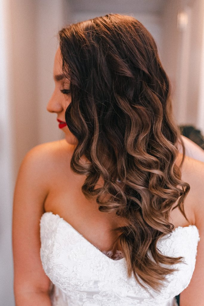 hollywood-vintage-glam-wedding-bride-makeup-suessmoments-hair-style-suessmoments-photographer
