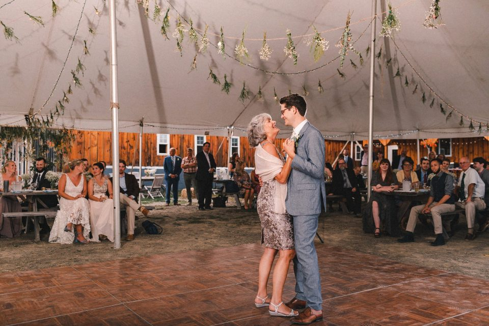mother-and-son-first-dance-on-wedding-day-suessmoments