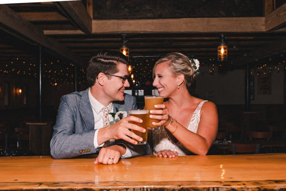 ss-farm-and-brewery-wedding-couple-suessmoments